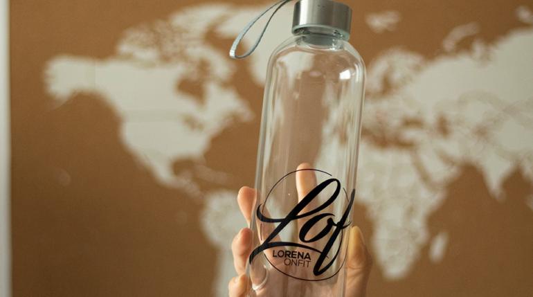 botella reutilizable lorenaonfit